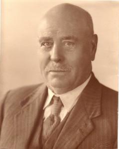Walter Grundy (2)